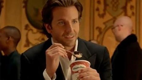 Bradley Cooper reklamuje lody