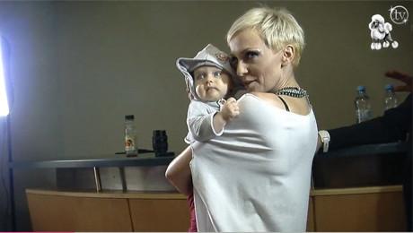 Ania Wyszkoni pozuje z córką