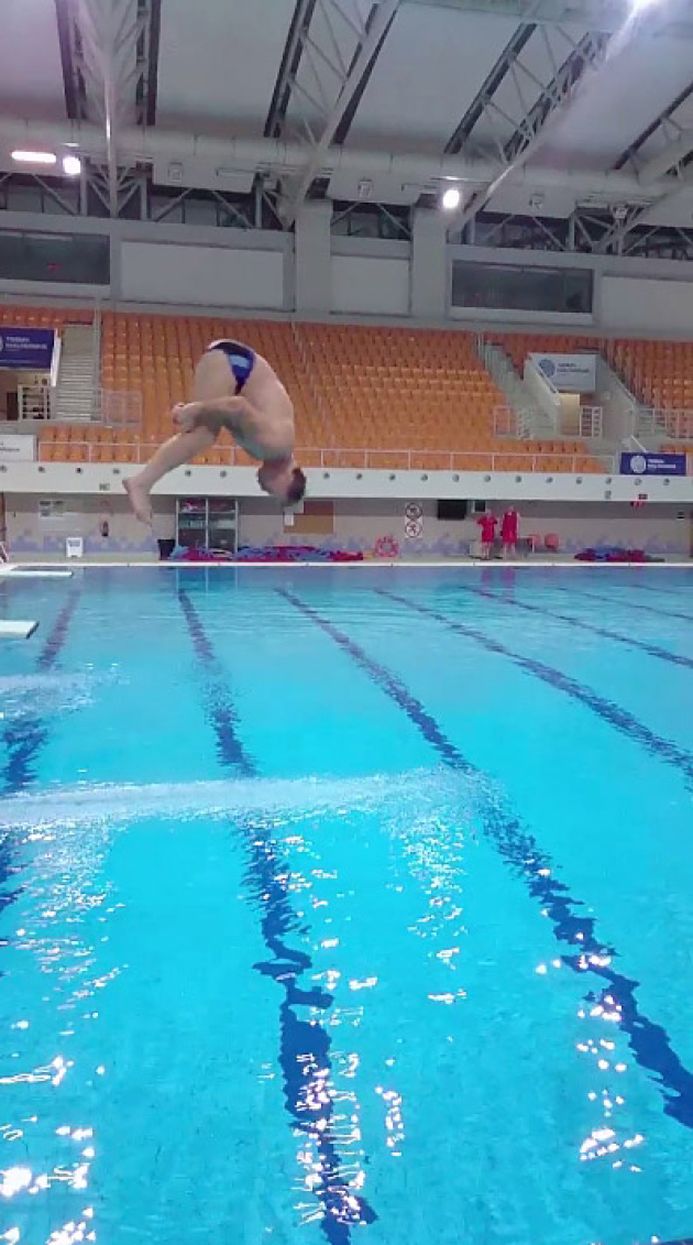 Andrzej supron celebrity splash
