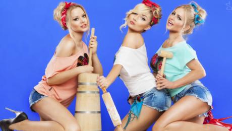 Modelki Donatana i Cleo reklamują ubrania Seksowne