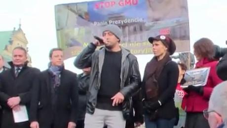 Doda protestuje i przemawia z Błażejem