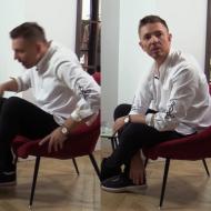 """Jemioł PRZERYWA nagranie dla TVN-u. """"Widać moją białą skarpetę? To wiocha, kręcimy jeszcze raz!"""""""