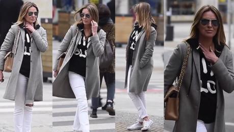 Hanna Lis w bluzie i trampkach Wygląda na 46 lat