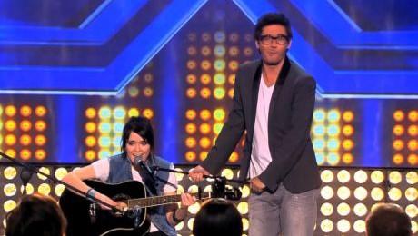 Nowy odcinek X Factor Wojewódzki jako statyw do mikrofonu