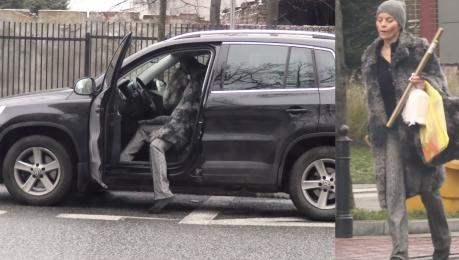Zmęczona Foremniak zostawia auto na wysepce i idzie na zakupy WIDEO