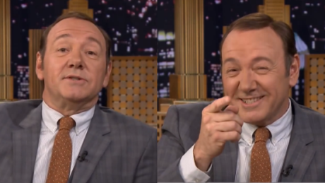 Kevin Spacey parodiuje Billa Clintona