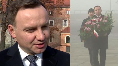 Andrzej Duda złożył kwiaty na grobie Kaczyńskich na Wawelu