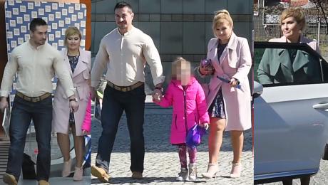 Skrzynecka z nietęgą miną i całą rodziną opuszcza TVP