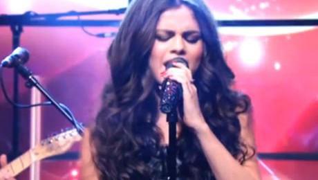 Selena Gomez śpiewa NA ŻYWO