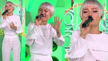 Marika cała na biało śpiewa w Dzień Dobry TVN
