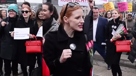 Jessica Chastain na Międzynarodowym Strajku Kobiet Tak wygląda protest w Warszawie