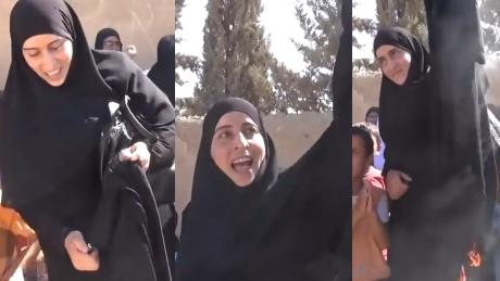 Kobiety z miasta odbitego z rąk ISIS publicznie palą burkę