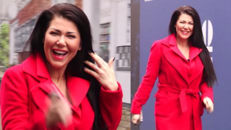 Iwona Węgrowska flirtuje z paparazzi pod TVN em