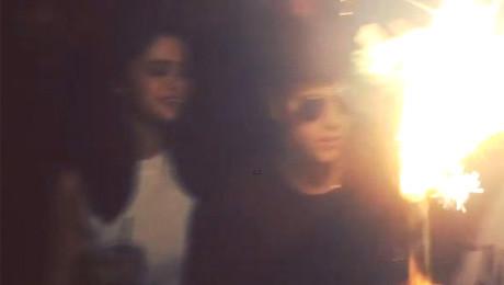 Bieber i Gomez RAZEM na imprezie