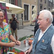 """Cejrowski relacjonuje spotkanie z Wałęsą: """"Pojawił się nagle znikąd i macha na mnie kijem narciarskim"""""""
