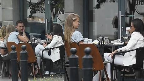 Elegancka Rusin na obiedzie z Kraśkami i córką